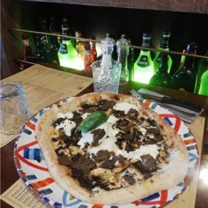 Photo pizza truffle numéro 5 andiamo osteria